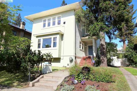 6410 Regent St, Oakland, CA 94618
