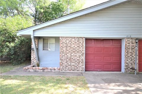 Photo of 1713 Lawyer St Apt B, College Station, TX 77840