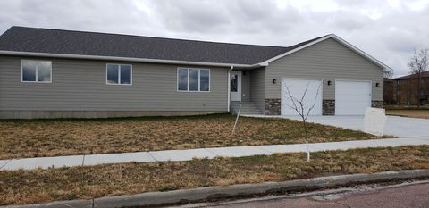 Photo of 1525 Kemper Ave, Mitchell, SD 57301