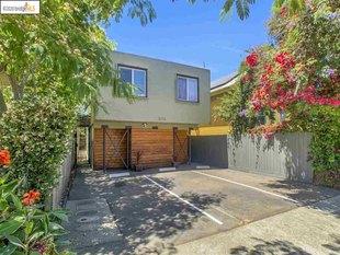 <div>3216 Baker St</div><div>Berkeley, California 94702</div>