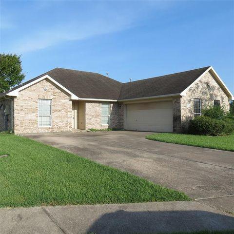 Photo of 218 Jordy Ln, Dickinson, TX 77539