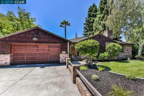 Walnut Creek, CA Houses for Sale with Swimming Pool