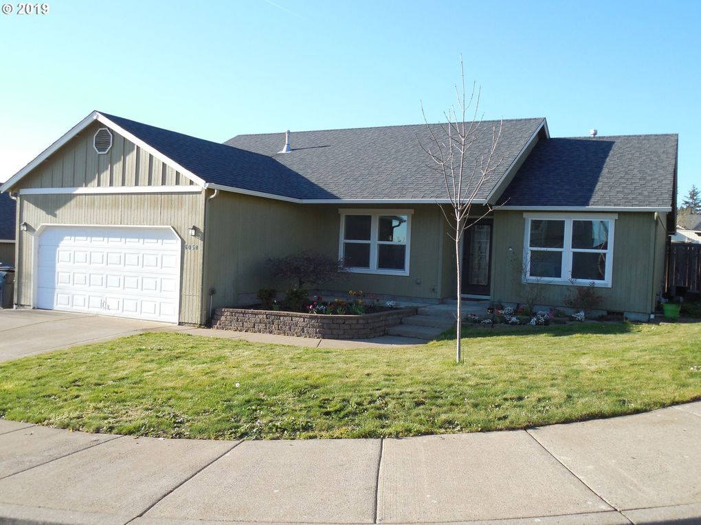 6050 Pebble Ct, Springfield, OR 97478
