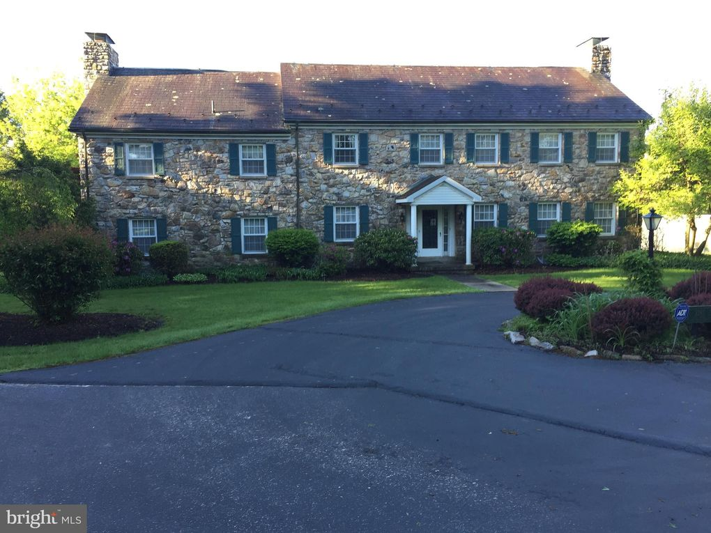 2385 Camp Rock Hill Rd Quakertown, PA 18951