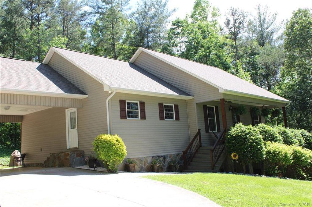 2745 Twin Oaks Dr, Morganton, NC 28655