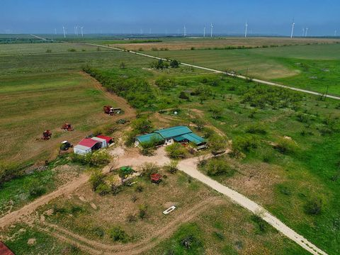 Photo of 7641 County Road 2136, Snyder, TX 79549