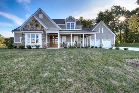 Photo of 105 Harbor View Dr, Blountville, TN 37617