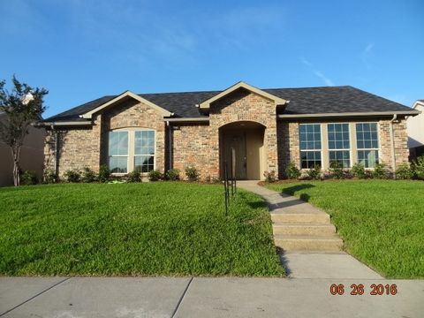 5813 Winell Dr, Garland, TX 75043