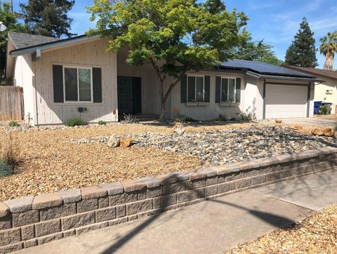 Photo of 3130 W Mesa Ave, Fresno, CA 93711