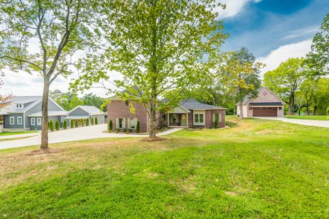 Photo of 515 Broome Rd, Knoxville, TN 37909