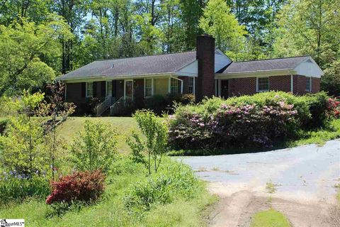 Photo of 126 Fuller Dr, Easley, SC 29640