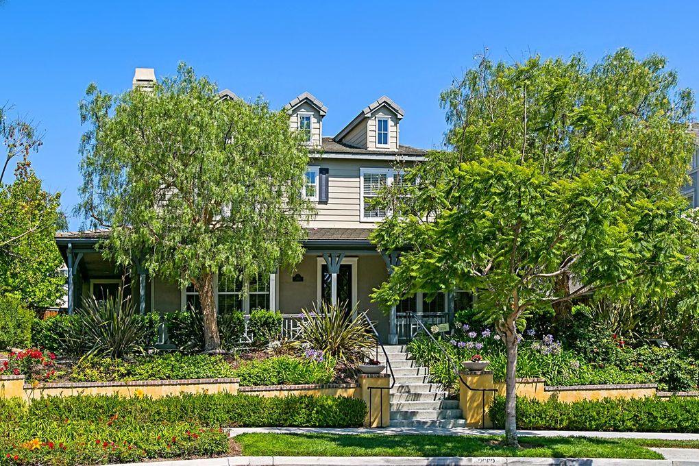 2662 Garden House Rd, Carlsbad, CA 92009