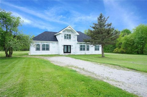 Photo of 33701 Crocker Rd, Columbia Station, OH 44028
