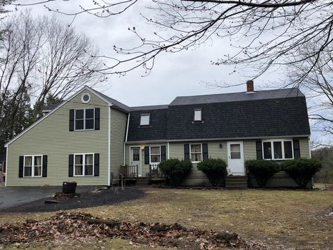 Photo of 37 Long Hall Dr, Berwick, ME 03901
