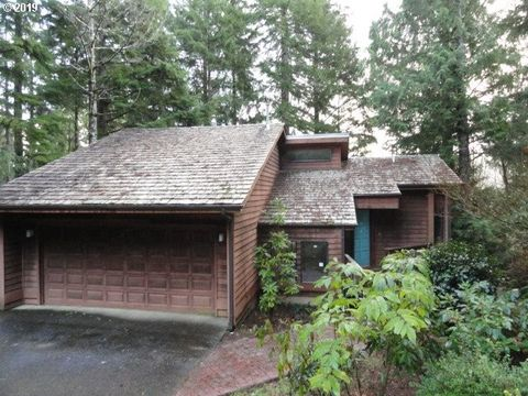 Photo of 109 Salishan Dr, Gleneden Beach, OR 97388