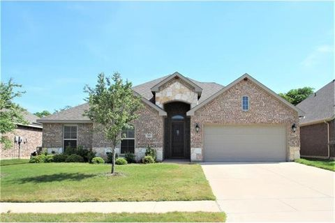 Photo of 308 Canadian Ln, Burleson, TX 76028