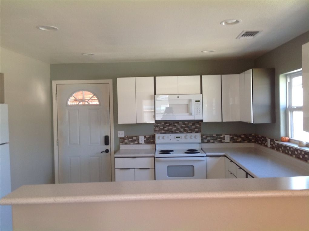 1106 N Atkinson Ave, Roswell, NM 88201