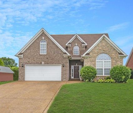 712 Willow Cove Dr, Murfreesboro, TN 37128