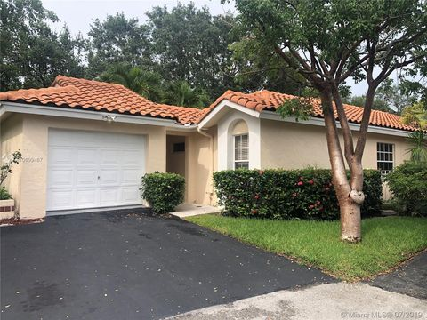 Photo of 1356 Seagrape Cir, Weston, FL 33326