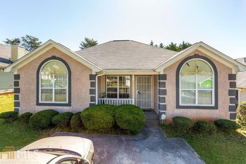 Photo of 122 Waterford Way, Griffin, GA 30223