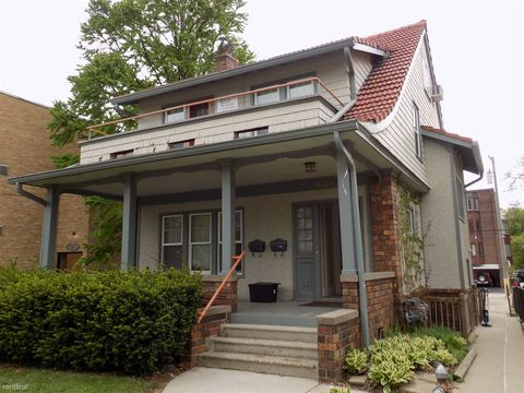 Photo of 904 S Forest Ave, Ann Arbor, MI 48104