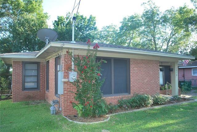 1016 Tyler St, Gainesville, TX 76240