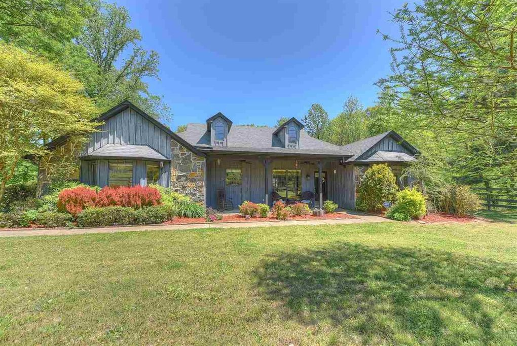 304 Faulk Rd, Millington, TN 38053