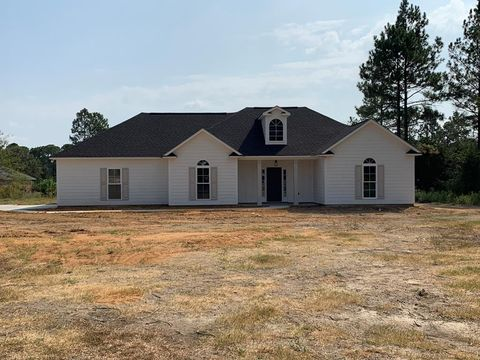 Photo of 108 Creekwood Dr, Sylvester, GA 31791