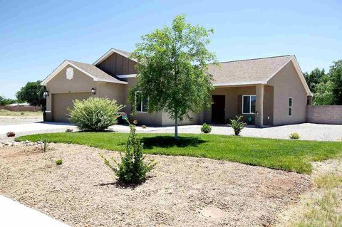 20 Holly Loop, Roswell, NM 88201