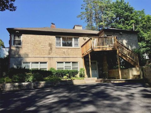 Photo of 14 Round Swamp Rd, Huntington, NY 11743
