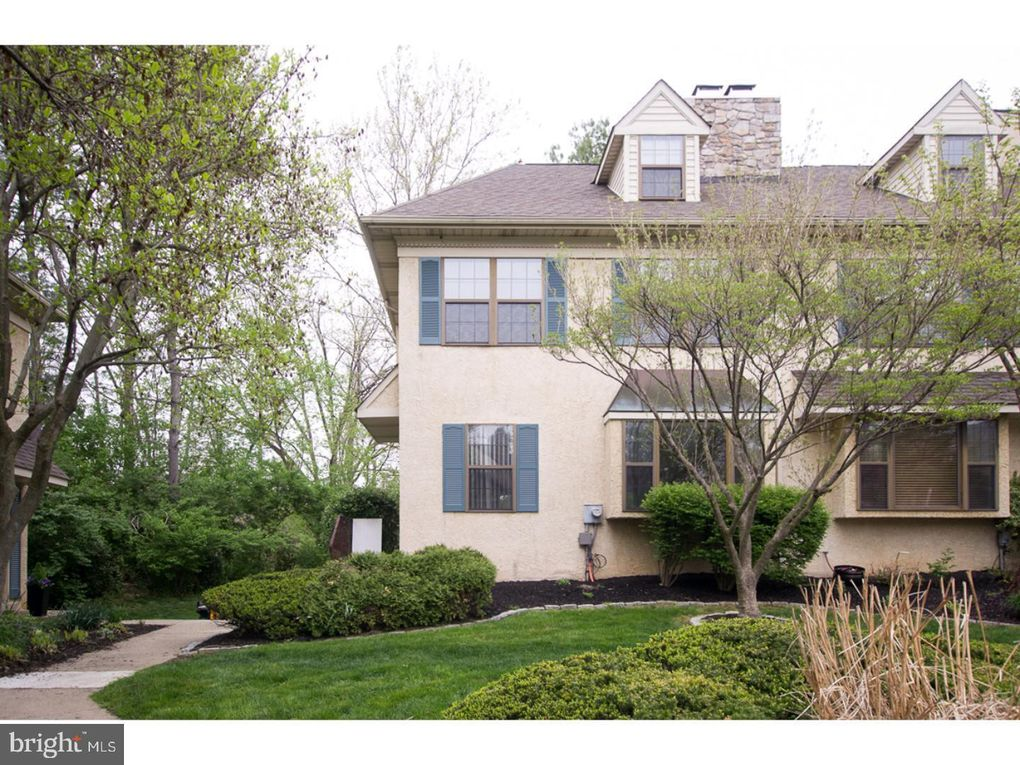 62 Iroquois Ct, Chesterbrook, PA 19087