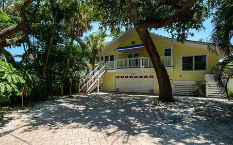 Photo of 5169 Oxford Dr, Sarasota, FL 34242