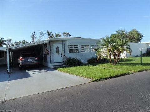 10 Diamond Ln D10 Naples FL 34112