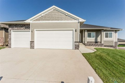 Photo of 4412 S Dubuque Ave, Sioux Falls, SD 57110