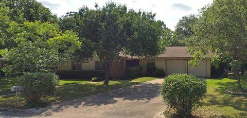 Photo of 5705 Parkwood Dr, Austin, TX 78735