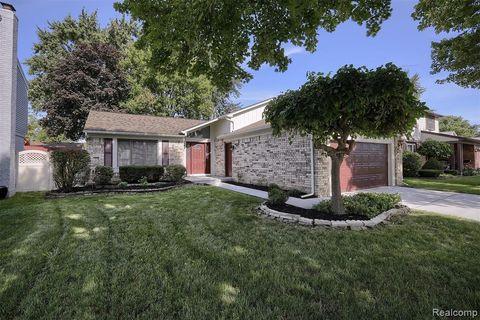 Magnificent 48313 Real Estate Homes For Sale Realtor Com Download Free Architecture Designs Scobabritishbridgeorg