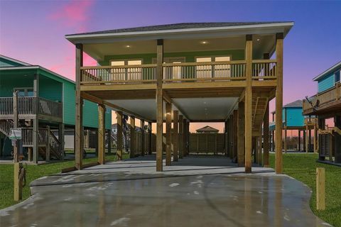 Photo of 2109 Second St, Crystal Beach, TX 77650