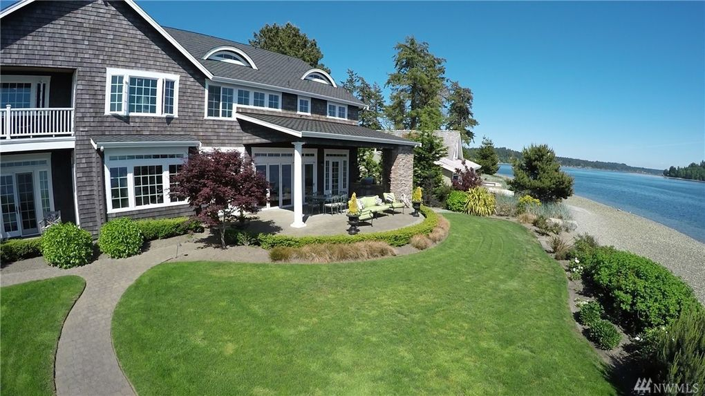 10908 moorelands st nw gig harbor wa 98335 for Cape cod waterfront homes for sale