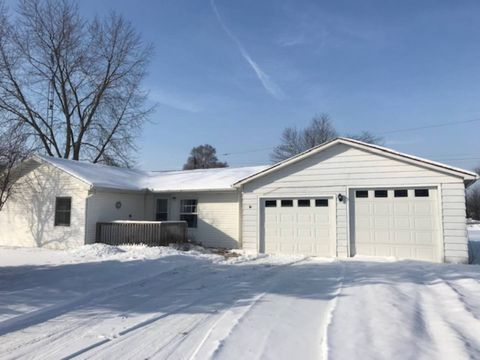Photo of 3314 Valley Dr, Adrian, MI 49221