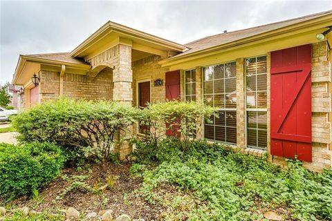 Photo of 6924 Coldwater Canyon Rd, Fort Worth, TX 76132