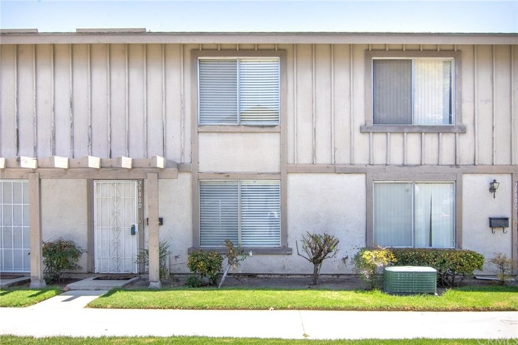 2980 Bradford Pl Apt D Santa Ana, CA 92707