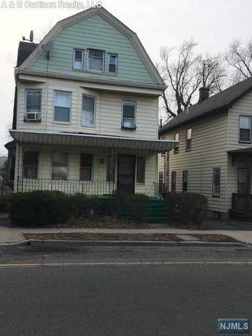 Photo of 315 N Grove St, East Orange, NJ 07017