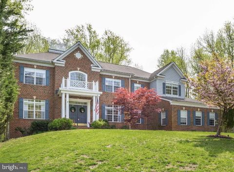 Photo of 611 Dillon Ct, Edgewater, MD 21037