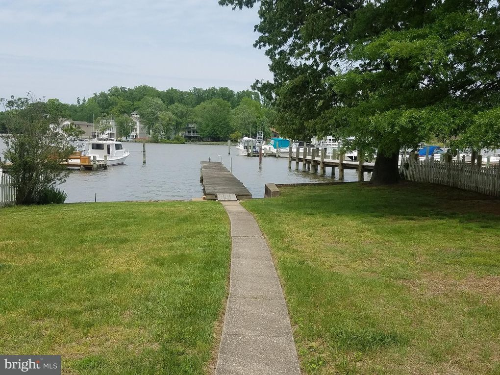 3802 Clarks Point Rd, Baltimore, MD 21220