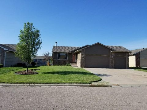 Photo of 1027 N Aksarben Ct, Wichita, KS 67235