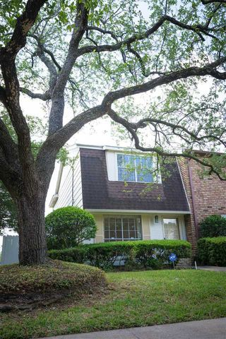 Photo of 5915 Townhouse Ln, Beaumont, TX 77707