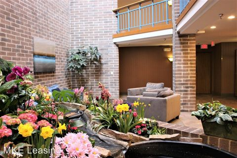 Photo of 4848 N Lydell Ave Apt 203, Milwaukee, WI 53217