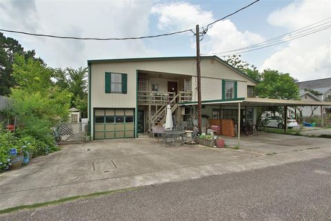 Photo of 9293 Everwood St, Willis, TX 77318