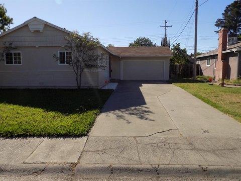 7425 Carella Dr, Sacramento, CA 95822