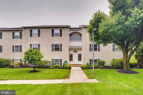 Photo of 8 Brooking Ct Unit 302, Lutherville Timonium, MD 21093